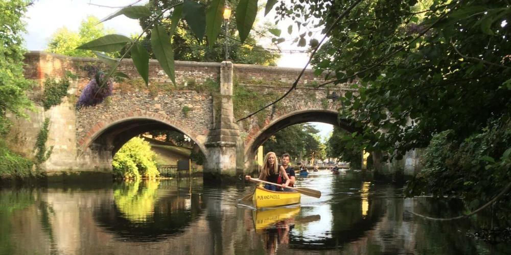 Riverside Spots Pub and Paddle